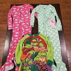 Girls 4T footie pajamas